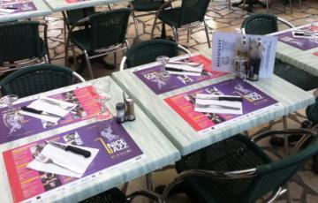 set de table papier personnalise
