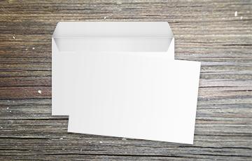Enveloppe vierge moyen format avec bande de protection